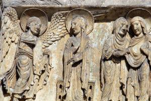 La Charité-sur-Loire, Tympanum of the Virgin, The Annunciation and the Visitation