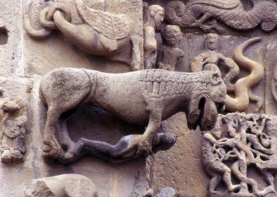 Sangüesa, Santa María la Real, Facade Lion