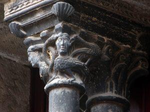Saint-Antonin-Noble-Val, Man and Birds Capital 1