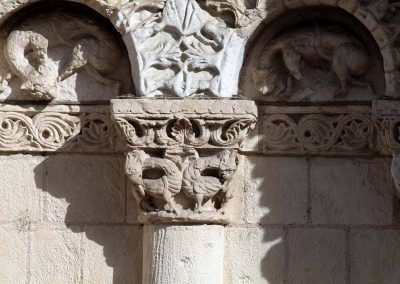 Poitiers Notre-Dame-la-Grande Ground Level Capital and Niches