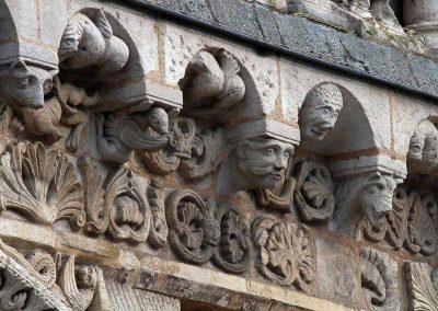 Poitiers Notre-Dame-la Grande Cornice